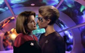 Caption Janeway and Seven of Nine